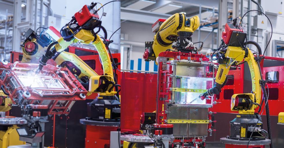 Cela spawalnicza Handling-to-Welding: robot manipulujący ustawia element spawany wodpowiedniej pozycji, drugi robot realizuje spawanie /Fot. Fronius International GmbH