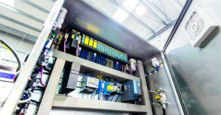 Jak dobrać i zamontować wentylator w szafie sterowniczej: Krok po kroku