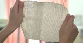 Zespół Politechniki Łódzkiej opracował tekstylną ładowarkę, dzięki której naładujemy smartfon