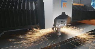 Formuła 1 wśród wycinarek laserowych 2D. Prima Power włącza do oferty nowy Laser Genius+