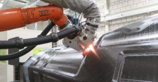 Zautomatyzowana produkcja części kompozytowych CFRP dla helikoptera Airbusa
